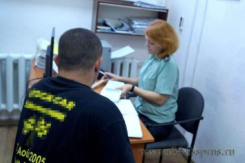 В Камышине обязательные работы исправили должника