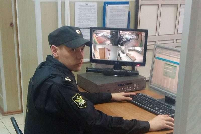 Судебный пристав спас старушку в Новониколаевском