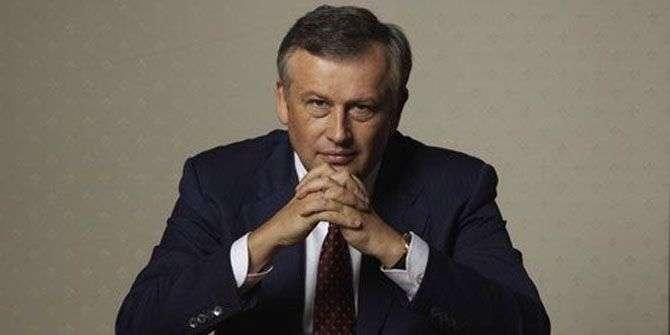 Глава Ленобласти в поддержку петербуржцев отправился на работу на метро