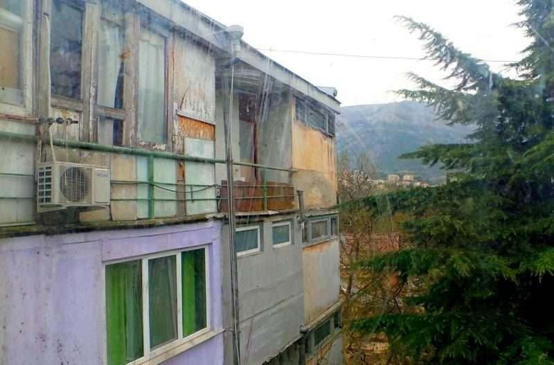 Поклонская посоветовала чиновникам поселиться в аварийном общежитии