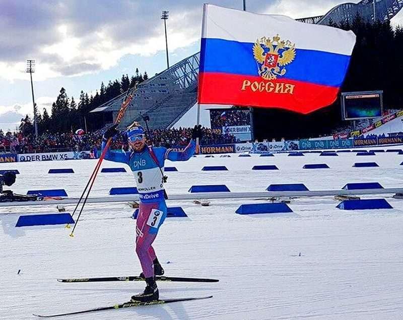 Биатлонист Антон Шипулин пообещал лыжи Артему Дзюбе