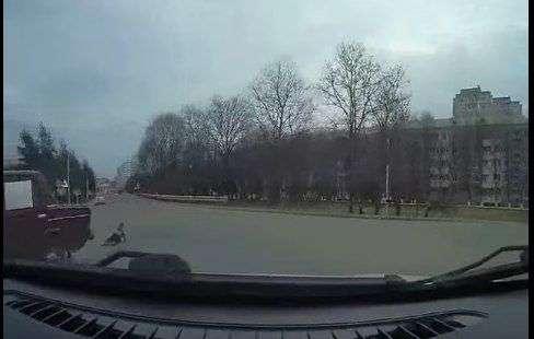 На Ставрополье водитель «потерял» ребенка на ходу. ВИДЕО