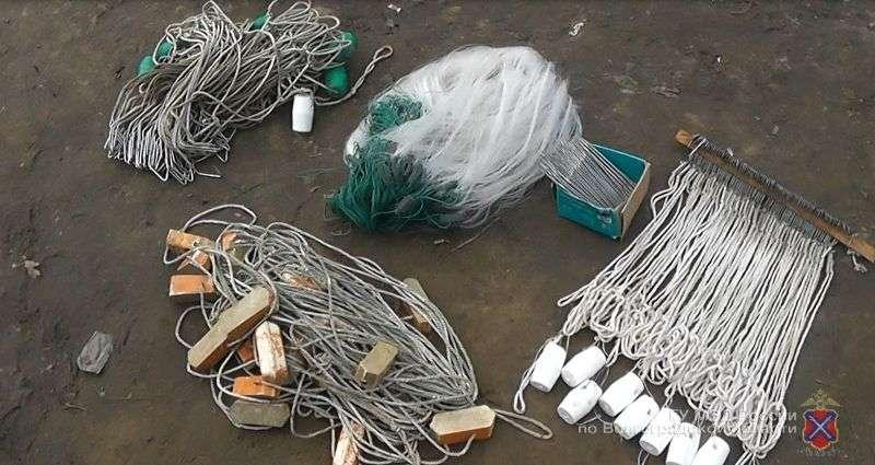 В Волжском на озере Круглом задержали трех браконьеров