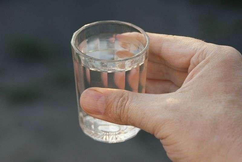 4 человека насмерть отравились спиртом в Волгограде