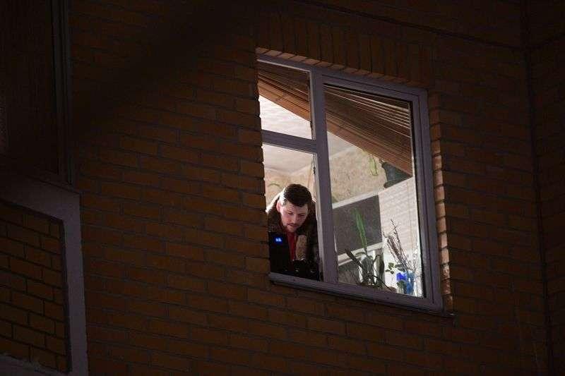 Под Волгоградом мужчина выбросил из окна женщину за отказ от интима