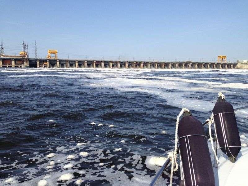 Сброс воды на Волжской ГЭС достиг максимума