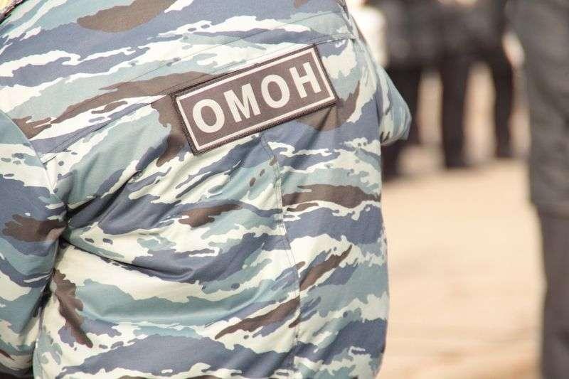 Бойцы ОМОН задержали волжанина, угрожавшего родителям убийством
