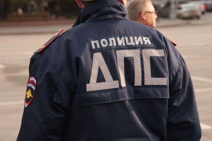 Полиция нашла в Волжском перевернутую машину с трупом