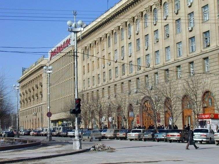 Волгоградский ЦУМ избавят от самовольных пристроек