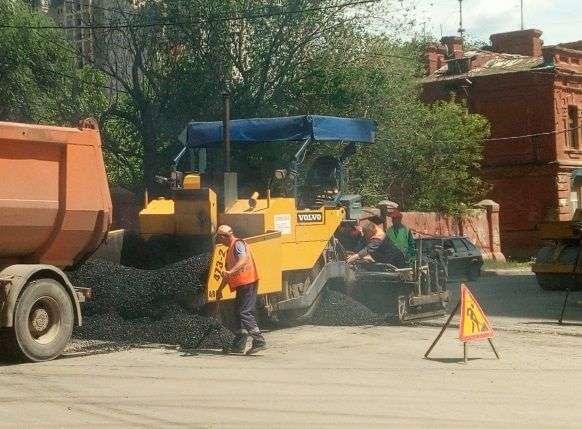 В Волгограде дорожный ремонт на улице Кубанской продолжается
