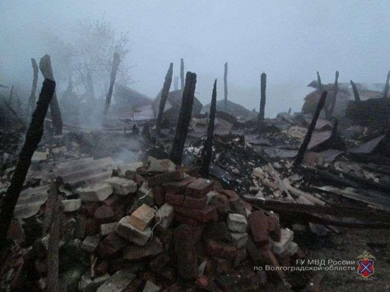 В Урюпинском районе мужчина сжег чужой хозблок