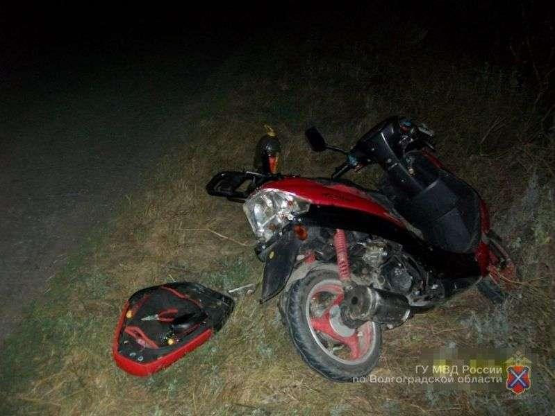 В Камышине три школьника украли скутер и мопед