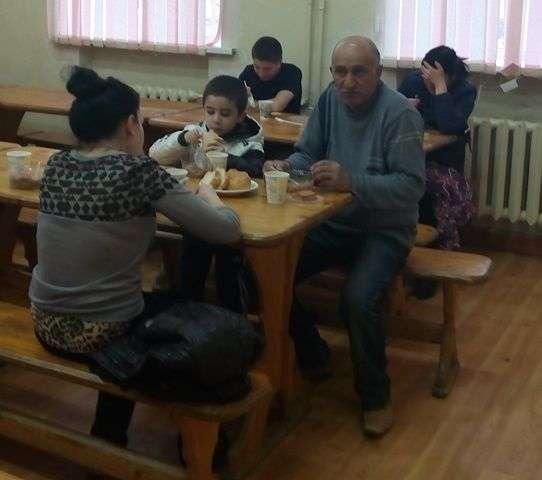 В Волгограде для сбора гуманитарной помощи жильцам разрушенного дома  открыты четыре центра