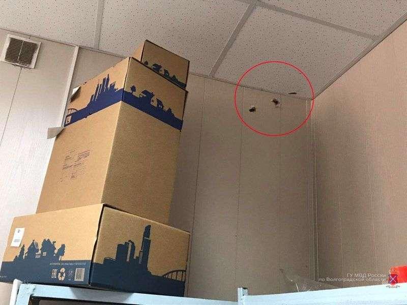 В Волжском пьяный мужчина открыл стрельбу в почтовом отделении