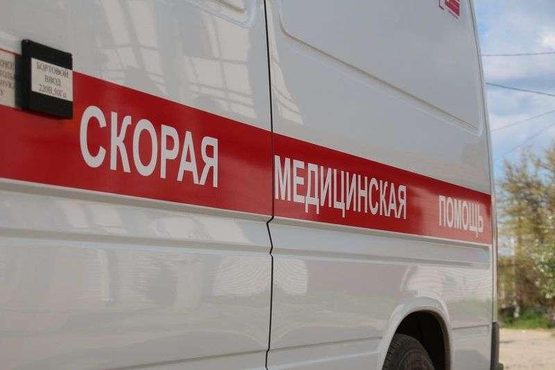 В Волгограде байкер попал под колеса иномарки