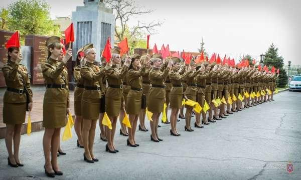 В День Победы на дороги Волгограда выйдут девушки-регулировщицы