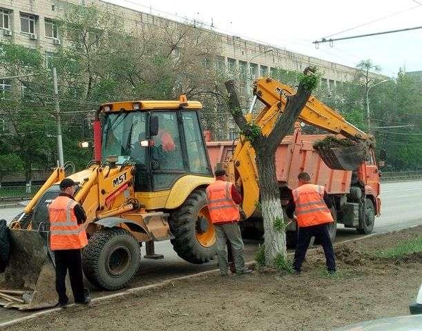 В Волгограде с проспекта Ленина вывезли почти 700 тонн грунта