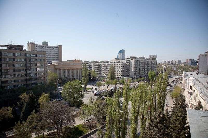 В Волгограде две УК лишились восьми домов
