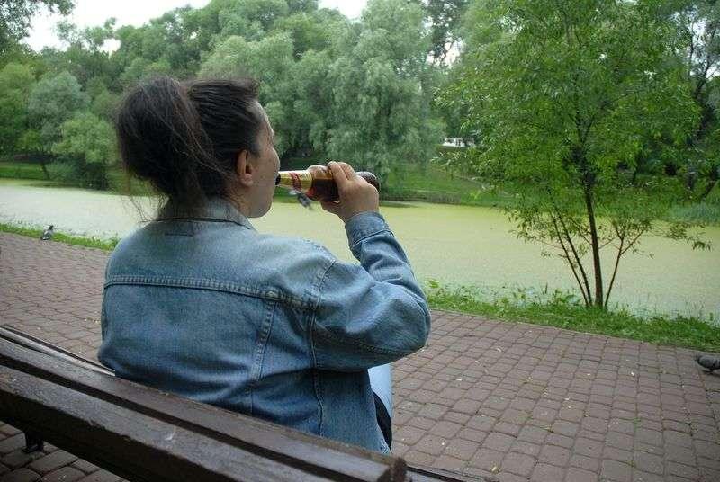 Под Волгоградом мать спаивала свою несовершеннолетнюю дочь
