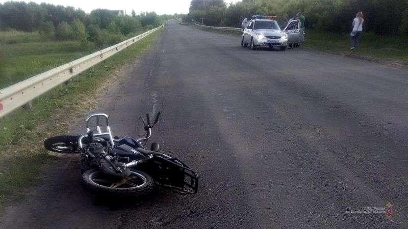 Под Урюпинском школьник разбился на родительском мотоцикле