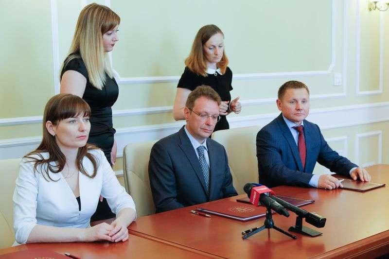 Власти области подписали договор о передаче ЦПКиО в частные руки