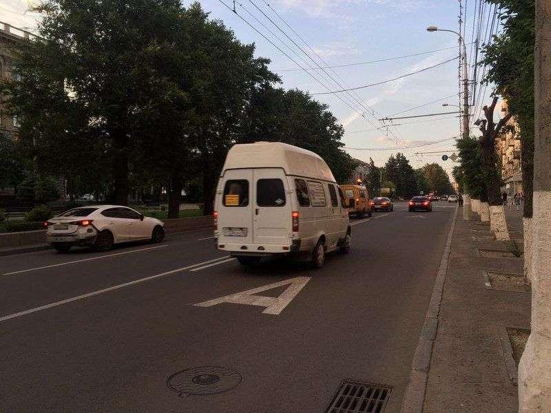 Новые дорожные знаки для проспекта Ленина и Жукова обойдутся в 22 миллиона