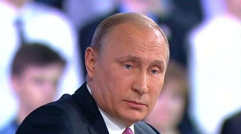 Владимир Путин приступил к ответам на «Прямой линии»