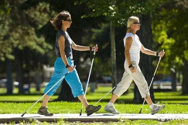 Волгоградцев научат технике скандинавской ходьбы