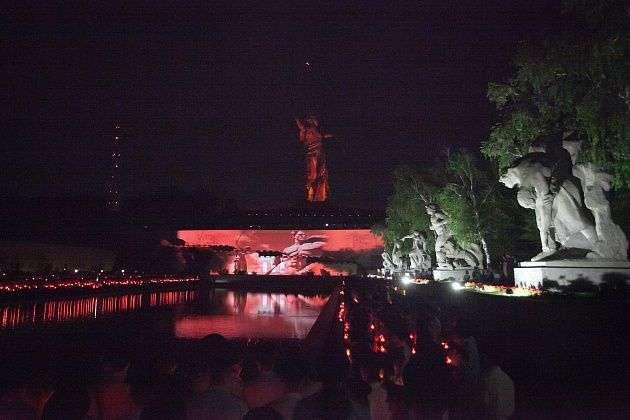 В День памяти и скорби в Волгограде зажгут 400 лампад