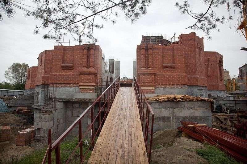 На стройке Александро-Невского собора пройдет первый молебен