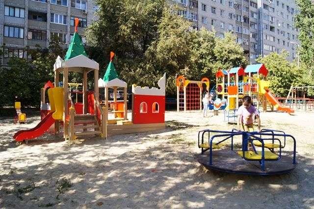 В Волгограде благоустроят дворы в двух районах