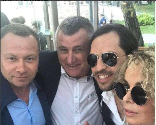 Бывший губернатор региона попал на фото во время отдыха в Юрмале