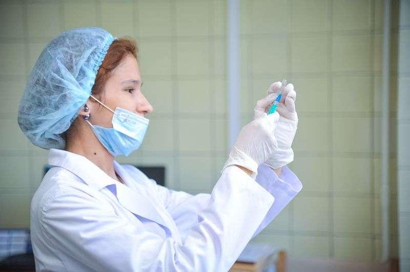 Массовая вакцинация волгоградцев от ковида началась в поликлинике №28