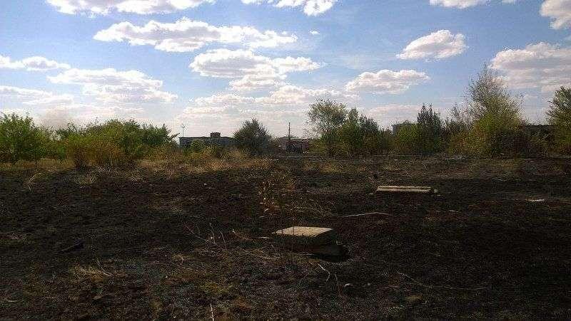В Дубовском районе пожар уничтожил два дачных домика