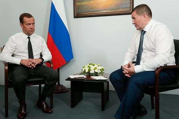 В Волгограде Дмитрий Медведев и Андрей Бочаров обсудили дороги и зерно