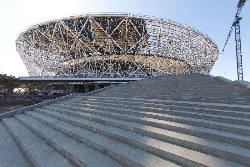 На «Волгоград Арене» построили пешеходную эстакаду