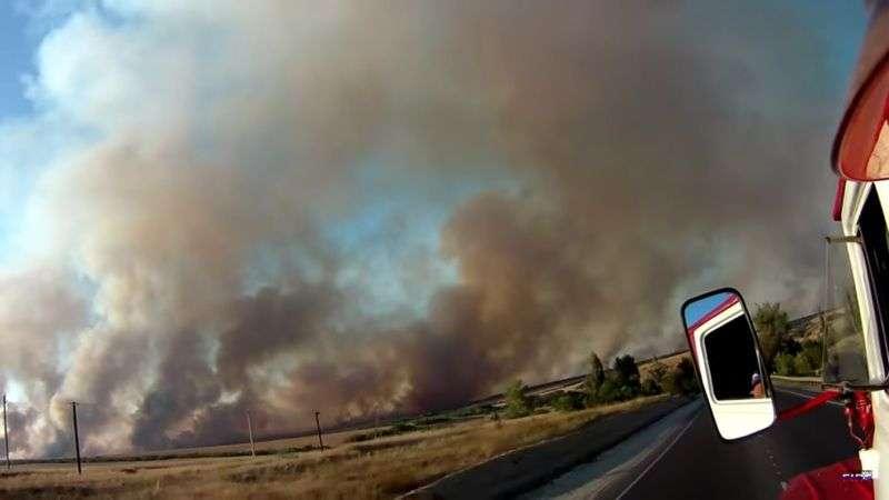 Волгоградский спасатель снял на видео тушение страшных пожаров в регионе