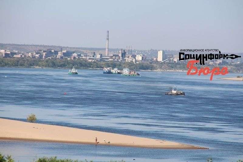 В Волгограде ищут виновников нефтяного разлива