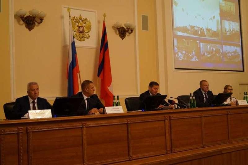 В Волгограде единороссы обсудили последствия пожаров в регионе