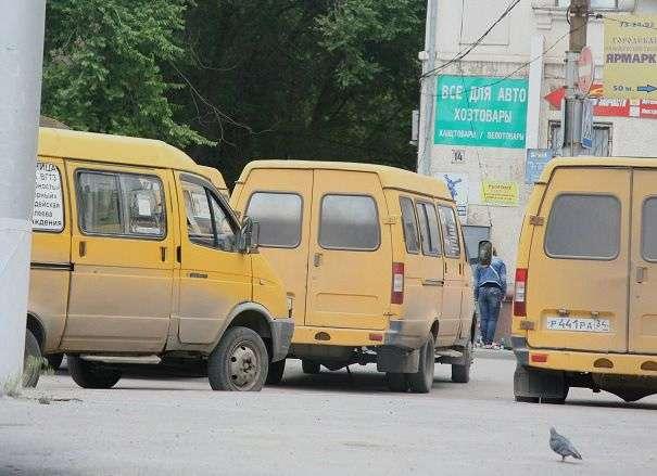 В Волгограде сотрудники ГИБДД под видом пассажиров проверили нарушения в работе маршруток