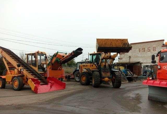 Городскую спецтехнику готовят к внезапному волгоградскому снегу