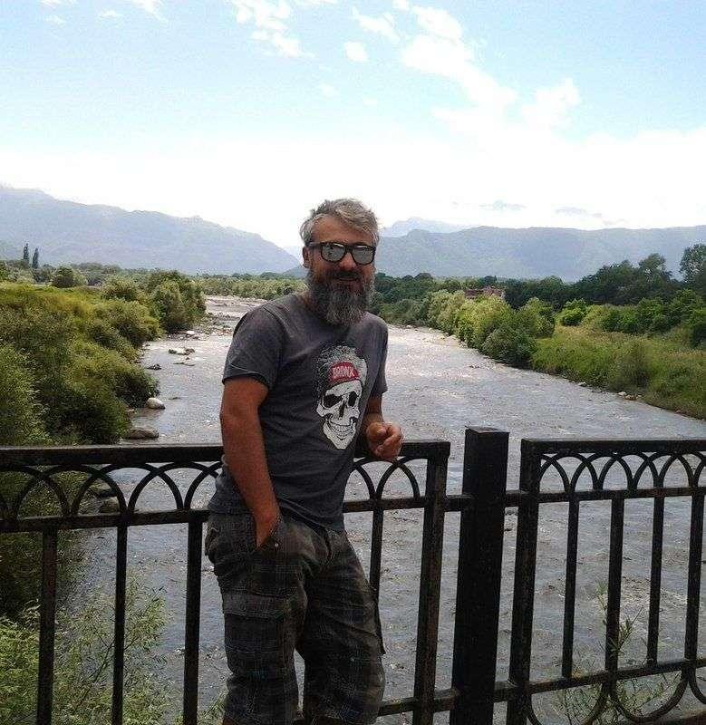 Четыре лапы и колеса: В Волгоград едет путешественник Внедорожный