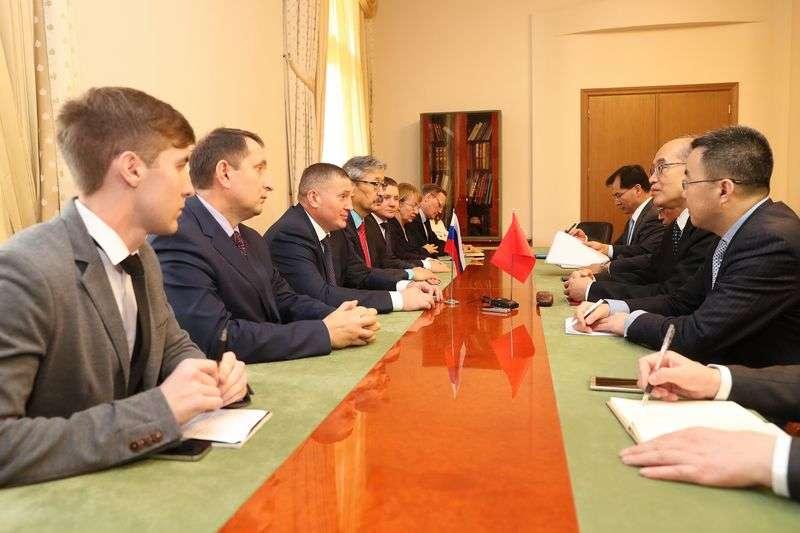 Министр юстиции Китая посетил Волгоград