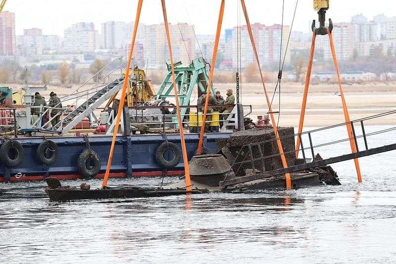 Подъем катера времен ВОВ со дна Волги сняли на видео