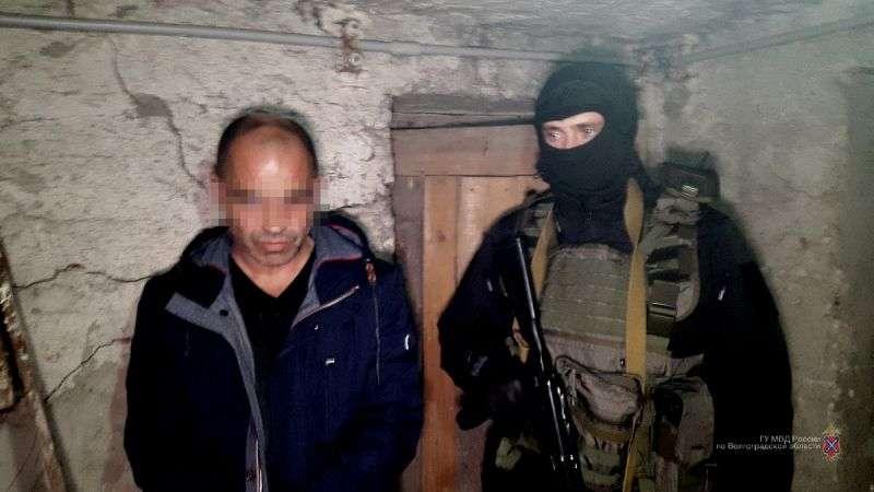 Полиция при поддержке спецназа «Гром» задержала банду наркодельцов. ВИДЕО