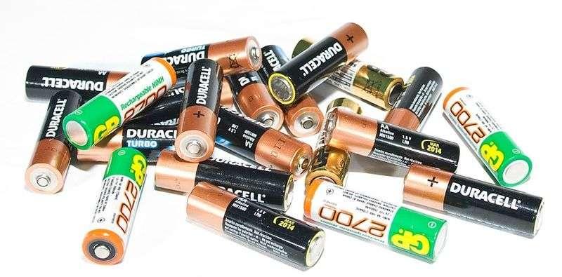 В Волгограде установили экобоксы для сбора батареек