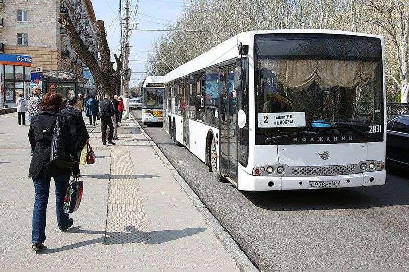 Волгоградцы смогут использовать в транспорте бесконтактную оплату