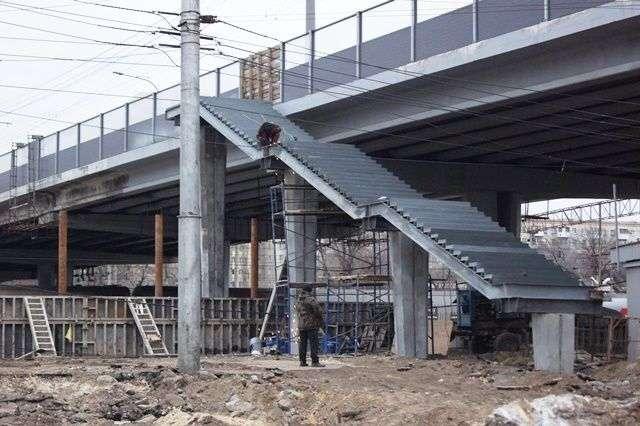 Комсомольский путепровод доделают к концу года