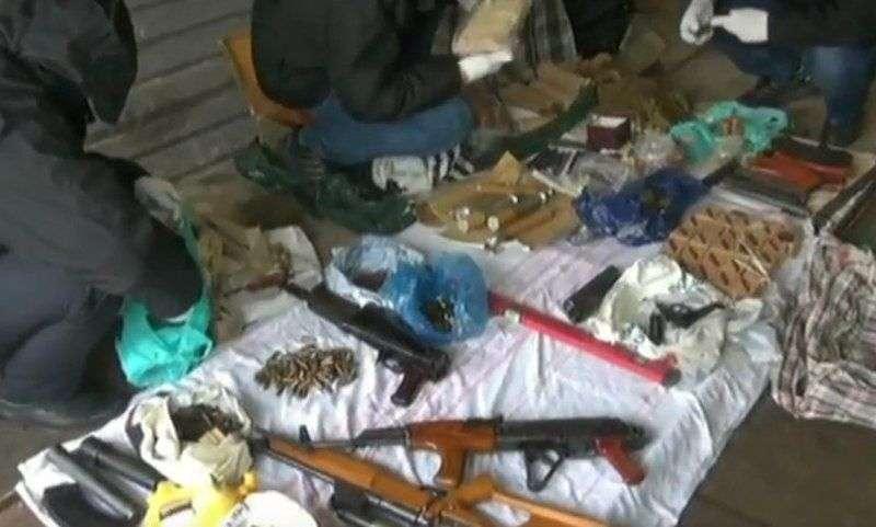 В Волгограде ФСБ изъяла крупную партию оружия и взрывчатки. ВИДЕО