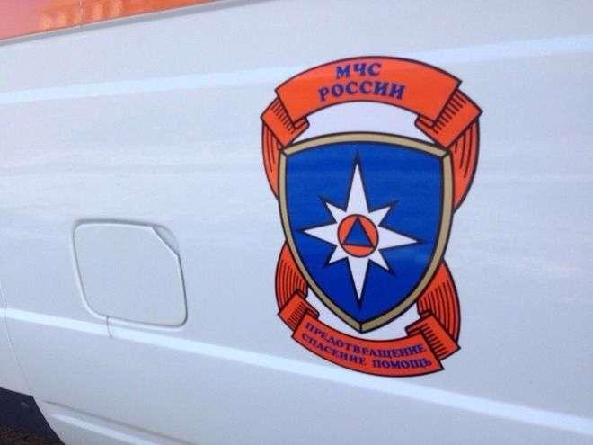 На юге Волгограда вспыхнул заброшенный дом